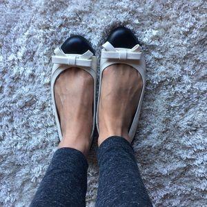 Ann Taylor Black & White Flats - Faux Leather